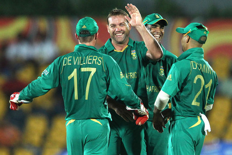 Kallis led the seam attack as Zimbabwe was restricted to 93-8 (photosport)