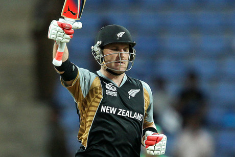 Brendon McCullum celebrates his century (Photosport)