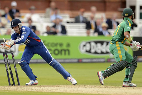 JP Duminy is stumped by English keeper Craig Kieswetter (Reuters)