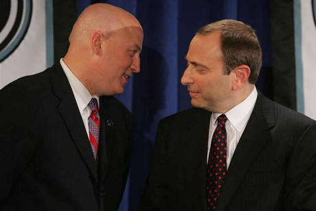 Commissioner of the NHL Bettman and Daly talk in New York (Reuters)