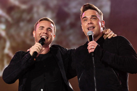 Take That stars Gary Barlow and Robbie Williams (AAP)