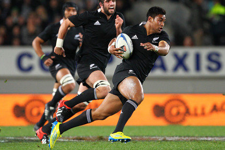 Julian Savea, with ball (Photosport file)