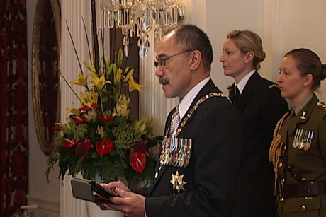 The Governor General with his iPad