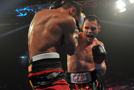 Daniel Geale lands a right on Anthony Mundine (AAP)