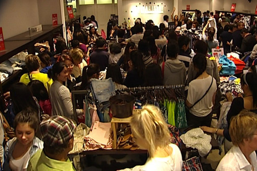 Malls packed for Boxing Day sales