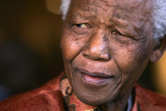 Nelson Mandela in 2004 (Reuters file)