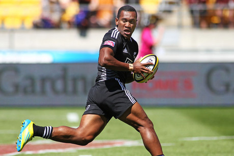David Raikuna runs away to score at the Hertz Wellington Rugby Sevens (Photosport)