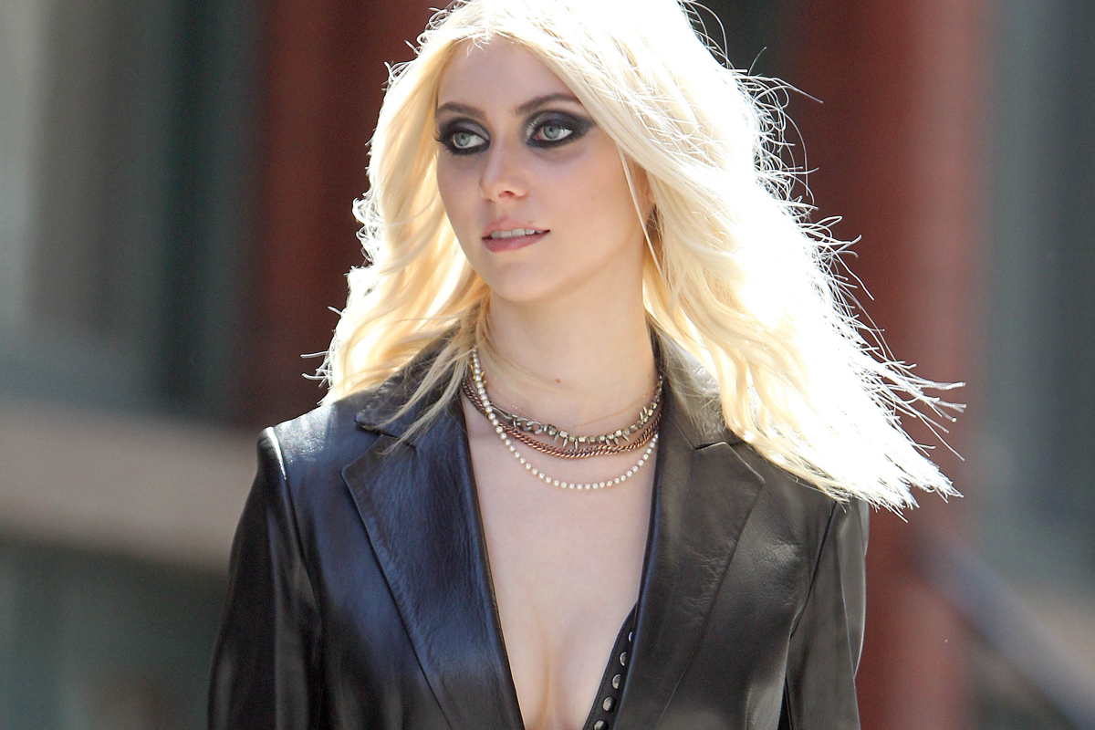 http://cdn.3news.co.nz/3news/AM/2014/2/10/331609/taylor-momsen.jpg
