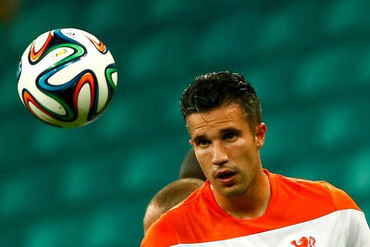 Robin van Persie didn't have a great season with Manchester United. Will he fair better with Holland? (Reuters file)